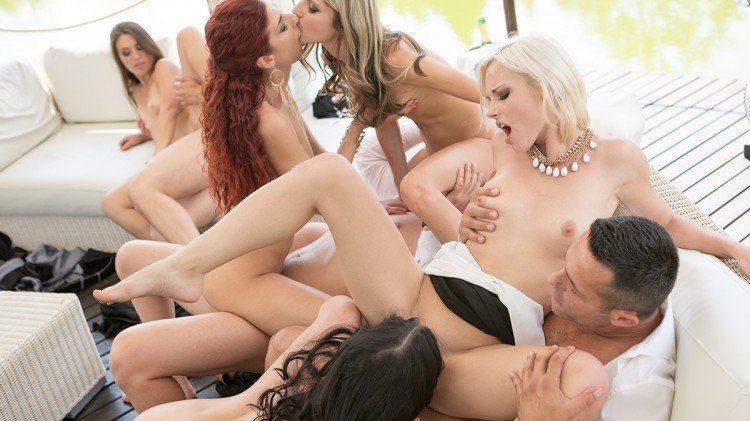 Luxury Orgy with 9 girls (1h20+ of hardcore)